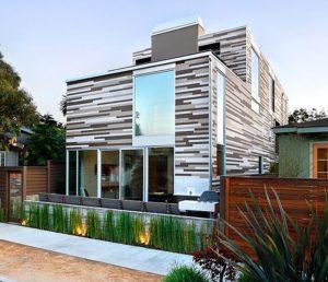 Благодаря отделке фасадов полиуретановыми панелями любое здание приобретает элегантный и респектабельный вид