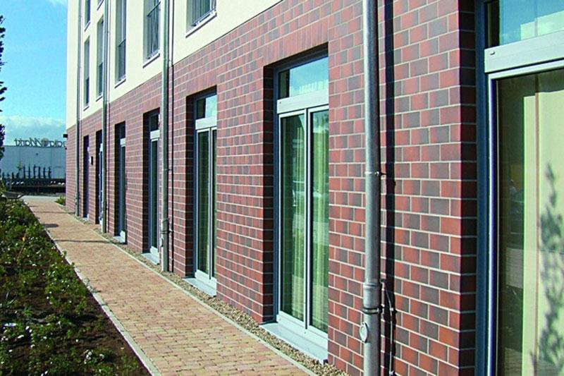 Фасад, отделанный клинкерной плиткой