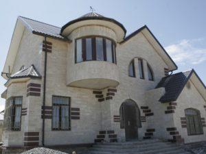 Натуральный камень для фасада - это решение практически универсальное
