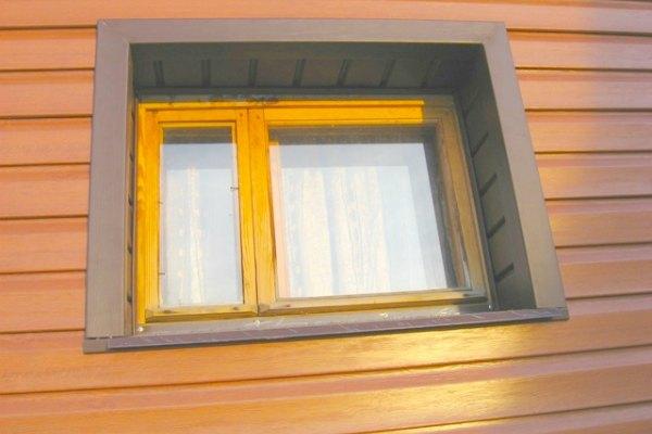Обрамление откоса окна сайдингом