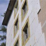 Особенности штукатурки фасада по пеноплексу