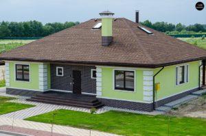 Одноэтажный дом в монохромной гамме