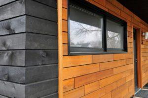 Оформление фасада деревянными панелями