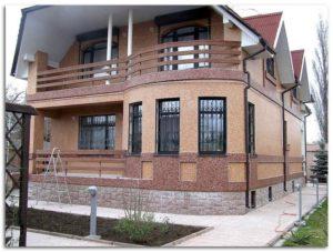 Отделка короедом двух этажного дома