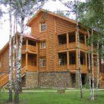 Деревянный фасад современного деревянного дома
