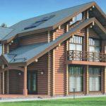 Деревянный фасад трехэтажного дома