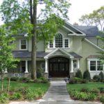 Эффектный дом с помощью зеленого фасада