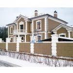 Как оформить фасад с балконом