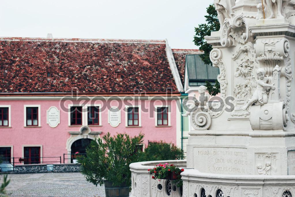 Фасад розового цвета