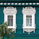 Фасад здания бирюзового цвета