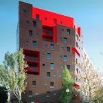 Фасадные панели красного цвета