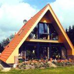 Как оформить современный фасад треугольной формы