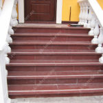 Как выбрать лестницу для создания красивого фасада