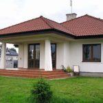 Красивый фасад с террасой