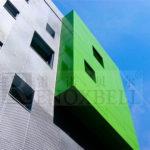 Лакированные зеленые панели для создания фасада