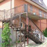 Лестница для фасада