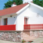 Металлические красные панели для фасада