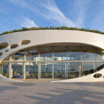 Необычный красивый фасад круглой формы