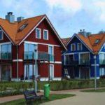 Особенности создания фасада с трехскатной крышей