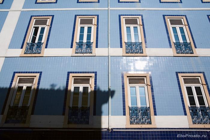 Плитка голубого цвета для создания фасада здания