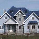 Практичные бесшовные панели для фасада голубого цвета