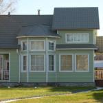 Применение современного бирюзового фасада