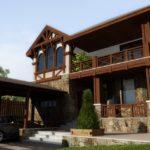 Пример фасада трехэтажного дома