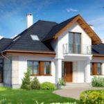 Пример оформления красивого фасада с двухскатной крышей