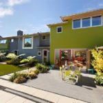 Приятный оттенок зеленого фасада