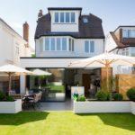 Особенности белого фасада для частного дома