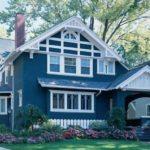 Синий цвет фасада дома