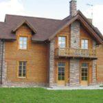 Современный фасад с трехскатной крышей