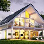 Стильное оформления фасада с двухскатной крышей
