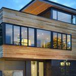 Стильный фасад трехэтажного дома
