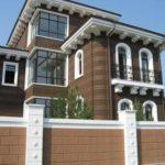 Стоит ли использовать коричневый фасад