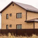 Светлые коричневые панели для фасада