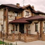 Вариант красивого коричневого фасада