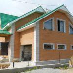 Отделка современного фасада с помощью коричневвого цвета