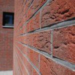 Плитка под кирпич красного цвета для обустройства фасада