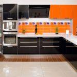 Главные преимущества встроенной мебели для кухни