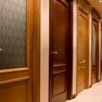 Как выбрать дверь для дома: виды, их плюсы и минусы