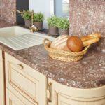 Выбираем столешницу на кухню: виды и материалы