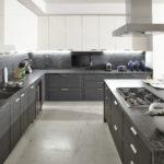 Стильная серая кухня: сочетания и оформление