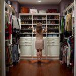 Гардеробная в доме: идеи организации и оформления