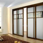 Применение раздвижных перегородок в квартире