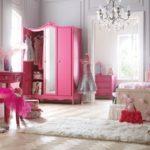 Модные идеи использования малинового цвета в дизайне