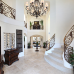 Винтовые лестницы в интерьерах современных коттеджей