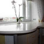 Маленькая кухня — идеи демонтажа подоконника для большего пространства