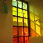 Покраска и украшение на стеклах в интерьере