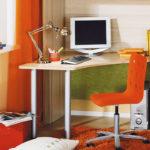 Как нужно выбирать письменный стол для школьника